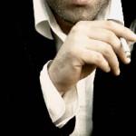 タバコを吸うと痰が絡む原因は?痰の色が茶色や黒いのは病気?