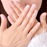 「笑うと歯茎が見える…」と悩む人へ!ガミースマイルの原因と治療法まとめ
